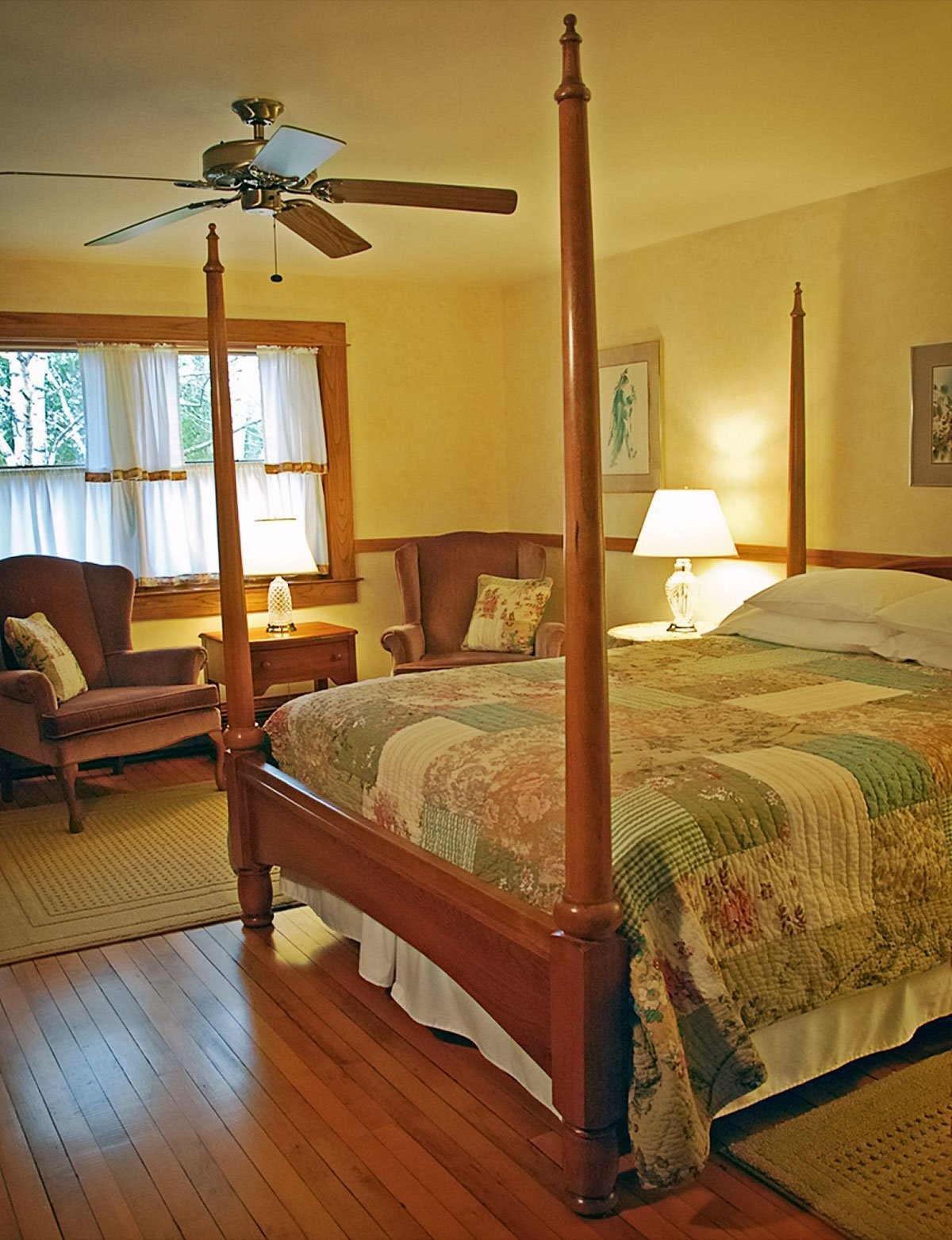 Whitefish Bay Farm B&B - Apple Blossom Room