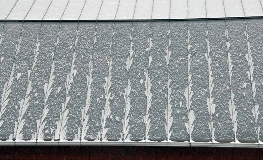 Snow on the barn roof: 11/29/18